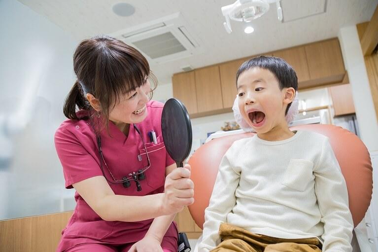 お子さまの歯並び気になりませんか?